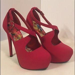 Qupid women's size 6 hot pink heels